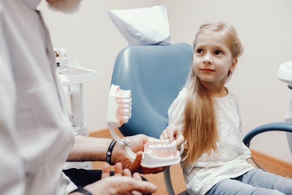 دندانپزشکی اطفال در کلینیک دندانپزشکی صدف فردیس